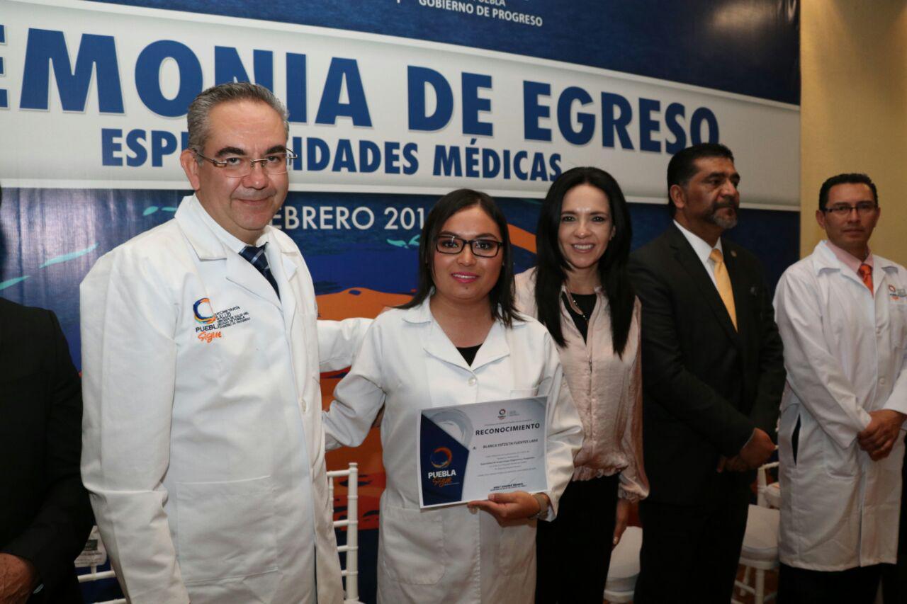 Egresan 132 médicos que cursaron  especialidad en hospitales de SSEP