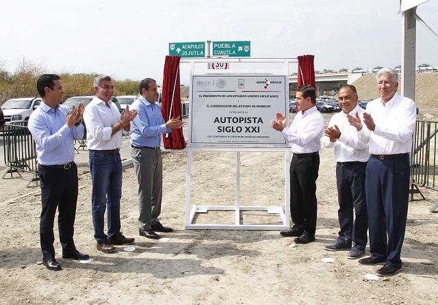 EPN y Tony Gali inauguran la autopista Siglo XXI