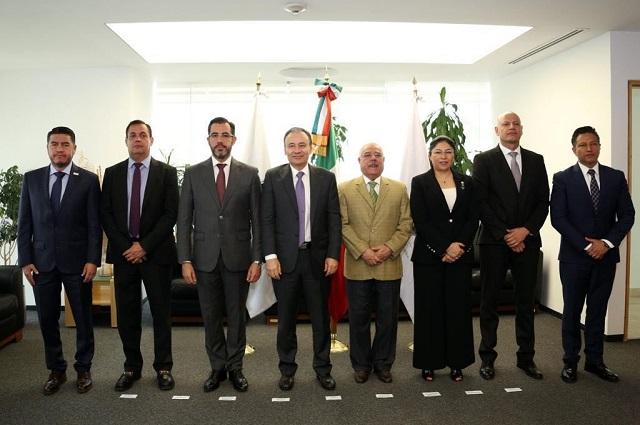 Asiste Manuel Alonso a reunión con Alfonso Durazo y secretarios