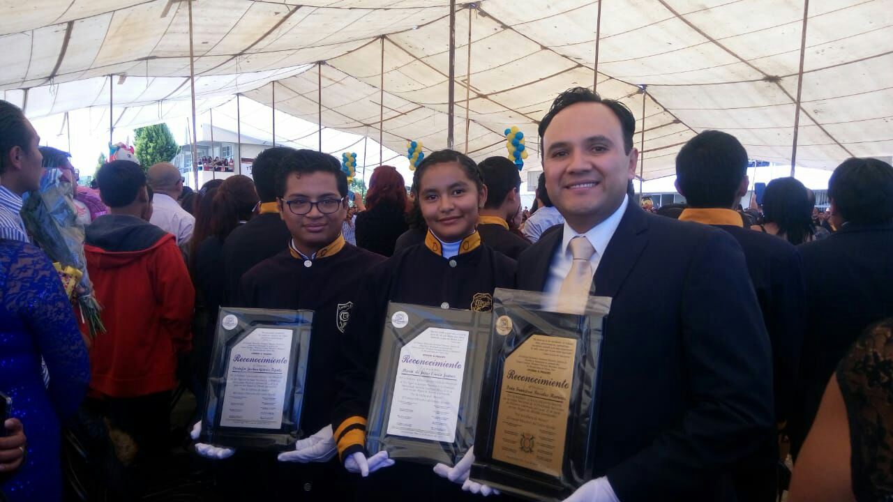 Centro Escolar de Huejotzingo es bicampeón en Olimpiada de Historia