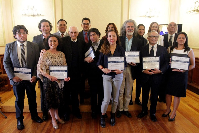 Reconocen estado y municipio la trayectoria de artistas en Puebla