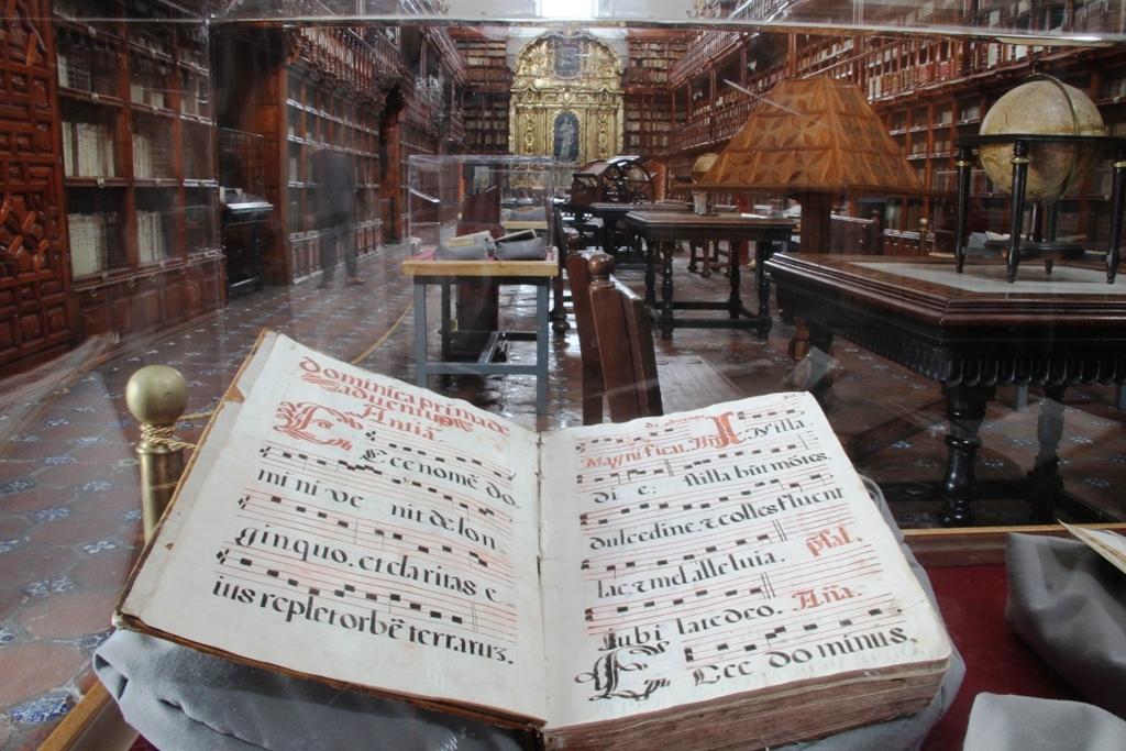 La Bibloteca Palafoxiana cumple 371 años de existencia
