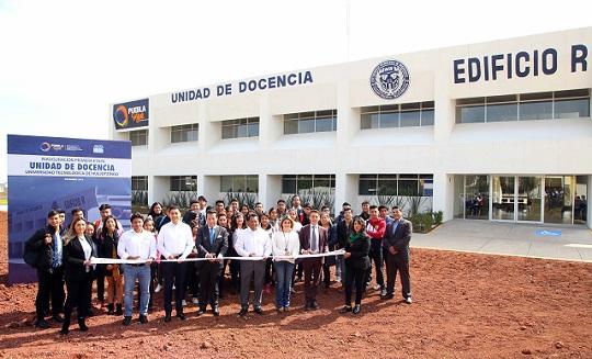 Entrega gobierno de Gali etapa 1 de Unidad de Docencia de la UTH