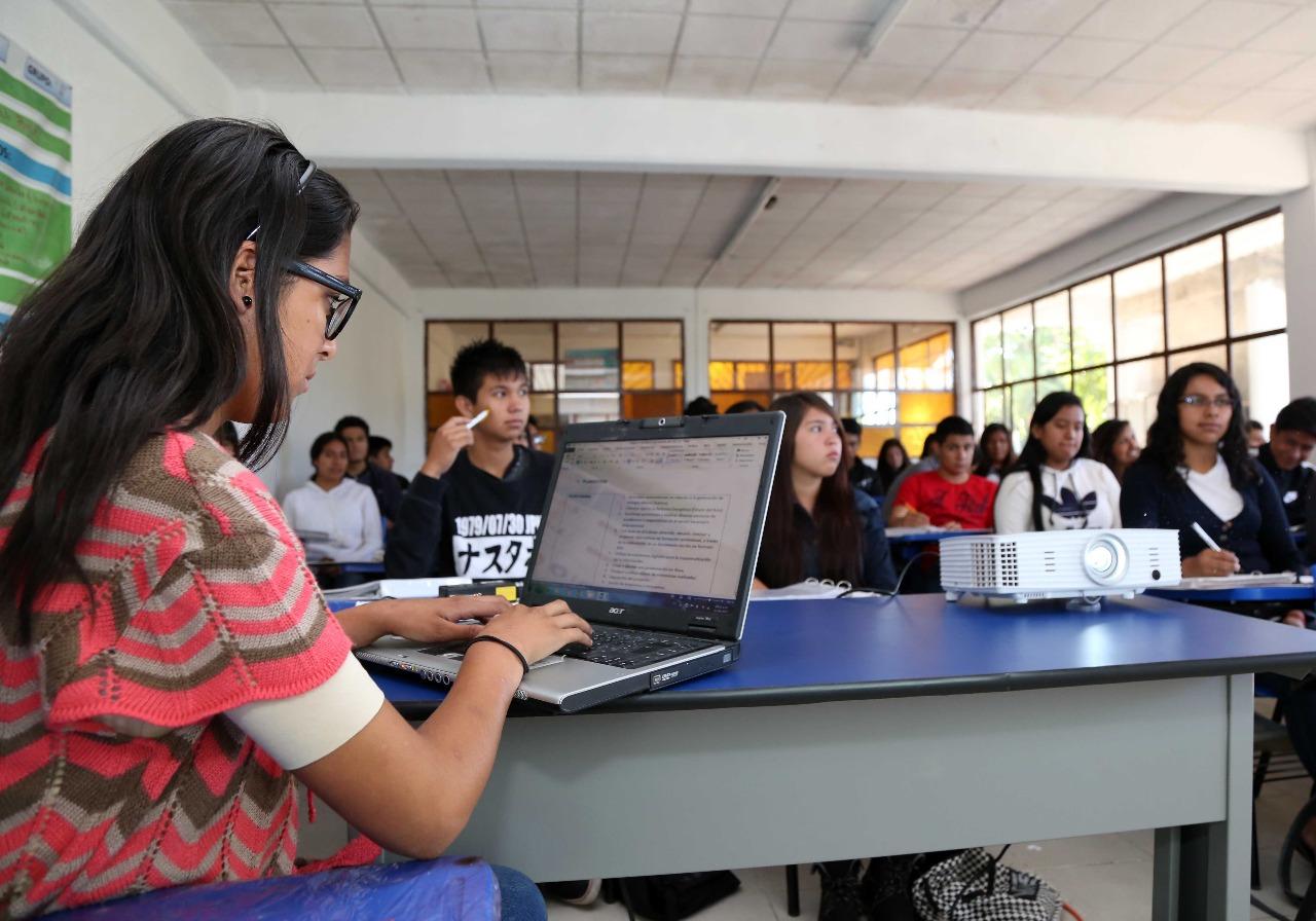 SEP certifica a docentes de primaria en competencias digitales