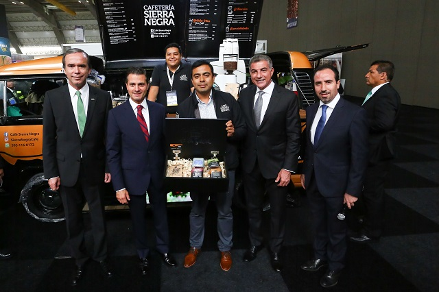 Peña Nieto y Gali inauguran el Foro Global Agroalimentario, en Puebla