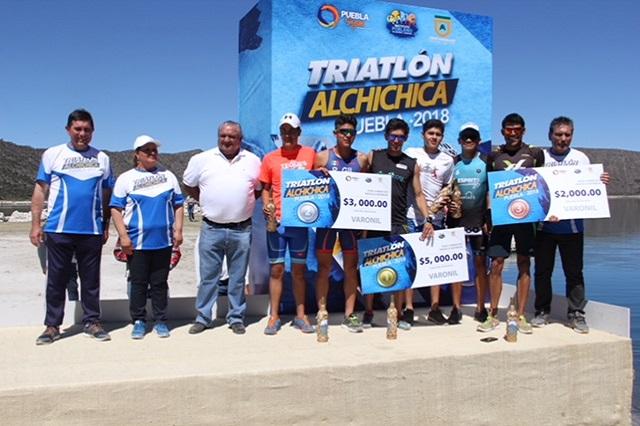 Itzel Arroyo y Gil Rivera ganan el Triatlón Alchichica 2018