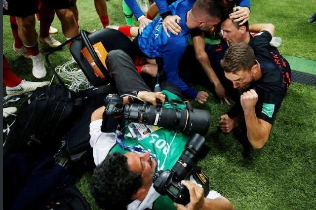 Yuri Cortez, el fotógrafo arrollado tras gol de Croacia y sus fotos del momento