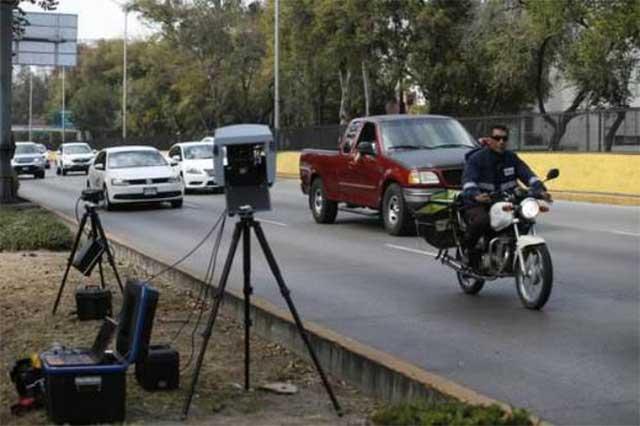 Confirma Almeida continuidad de las fotomultas en Puebla