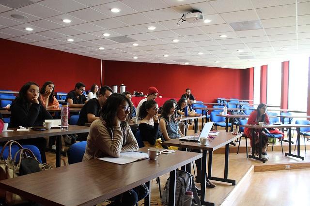 Estudiantes del SUJ dialogan acerca de proyectos de paz