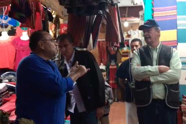 Ciudadano increpa a Vicente Fox: los mexicanos aún te mantenemos, le grita