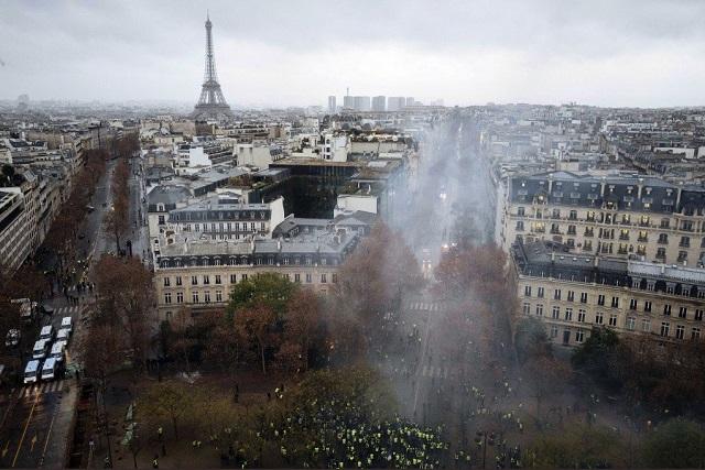 Impactan a toda Francia las protestas de los chalecos amarillos