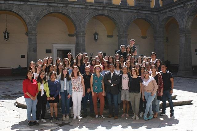 Estudiantes franceses hacen estancia cultural en la BUAP