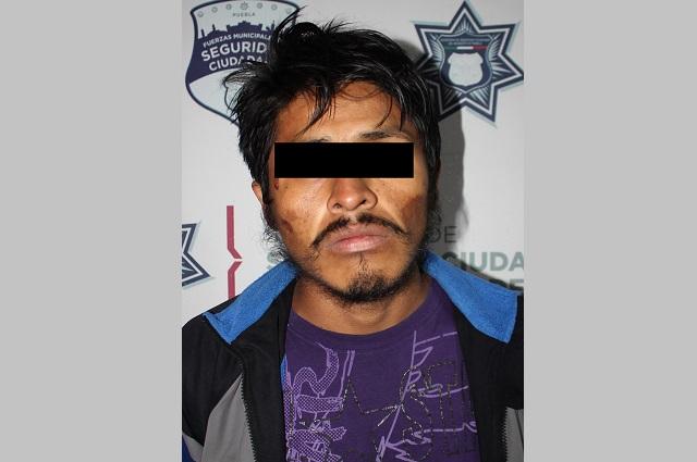 Dos asaltantes de transeúntes son atrapados en Puebla capital