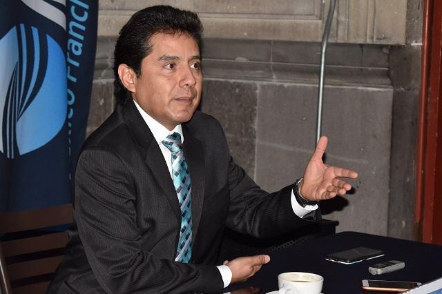 Ambulantes en Puebla ganan más que un profesionista: RMF