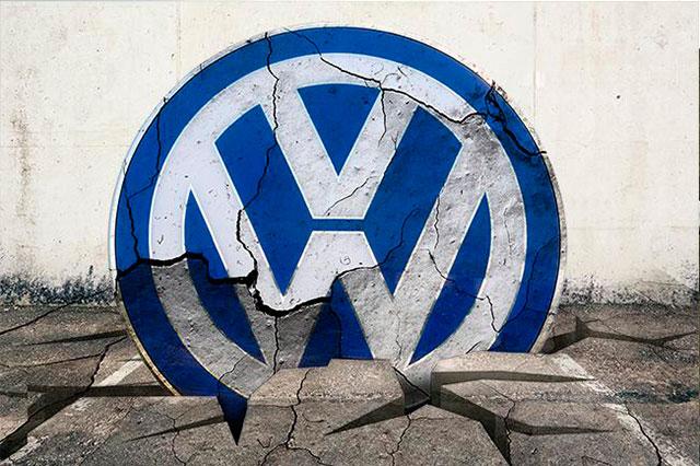 Caen ventas de VW por fraude en motores y demanda millonaria de EU