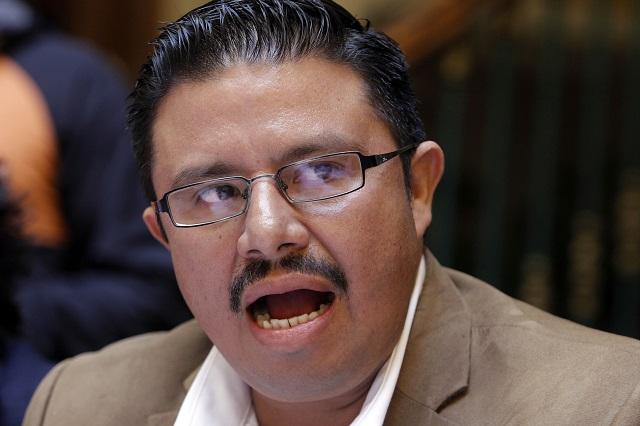 Afilian a trabajadores del Ayuntamiento y de Bachilleres al PRD, acusan