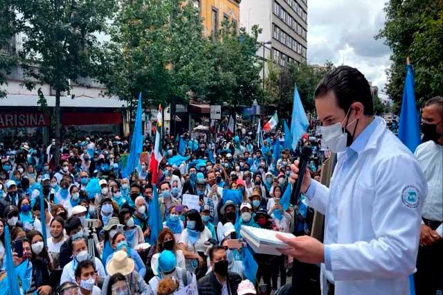 Grupos provida arman protesta frente a la Suprema Corte