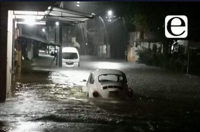 Frente frío trae más lluvias; alerta en el centro del país