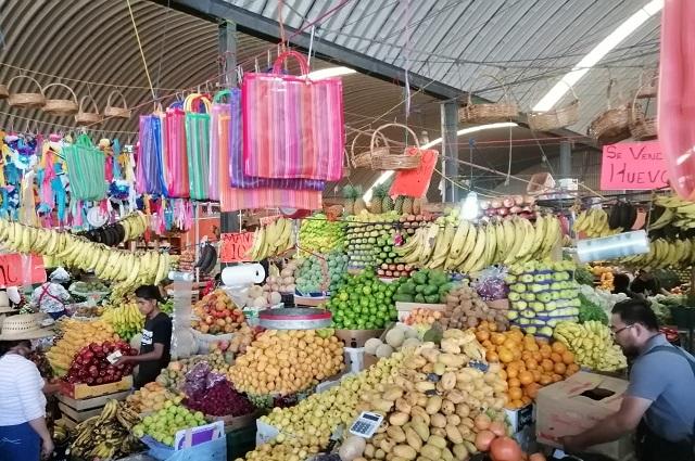 Precio de frutas y verduras incrementa 30% en Acatlán