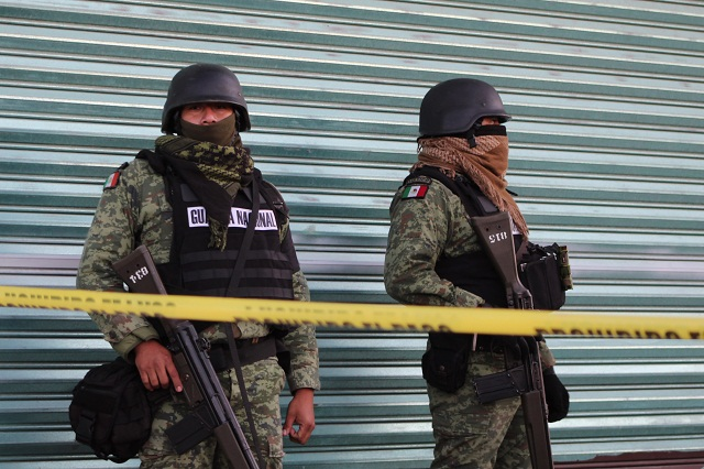 Agreden en Tecamachalco a GN por asegurar pipa hechiza