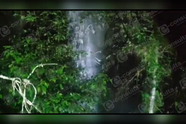 Fuga de hidrocarburo en Huauchinango genera columna de 8 metros