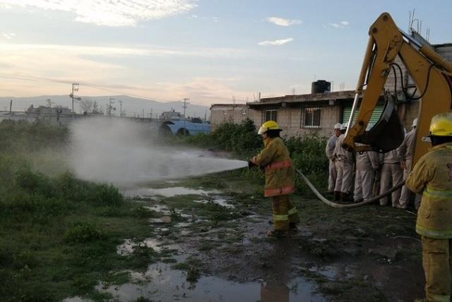 Por fuga de gas, desalojan a 400 pobladores de Tezoyuca, Edomex