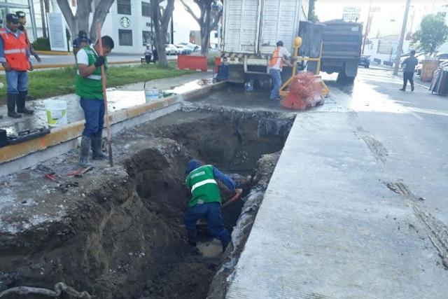 Repara Agua de Puebla fugas en vialidades de concreto hidráulico