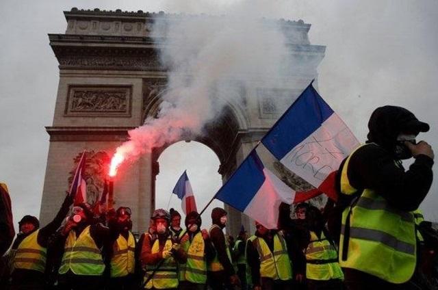 Crece y se fortalece en Francia movimiento de los Chalecos Amarillos