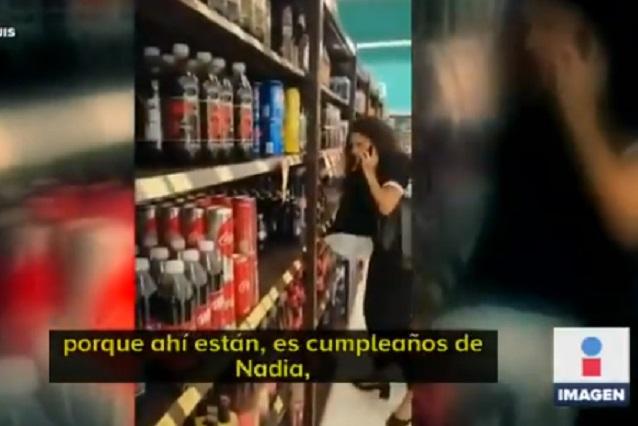 Video: Graban a funcionaria sin cubrebocas en supermercado