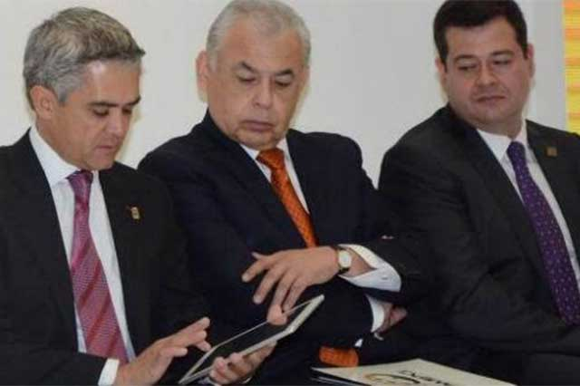 Por veda electoral, Mancera prohíbe que funcionarios usen redes sociales