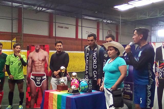 Promueve comunidad gay poblana diversidad con futbol