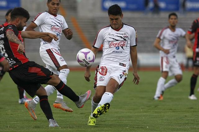 Retoma Lobos BUAP liderato tras vencer 2-1 a Necaxa