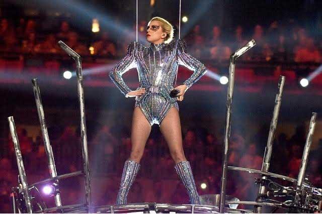 Lady Gaga nos engañó: Su salto en Super Bowl fue un montaje
