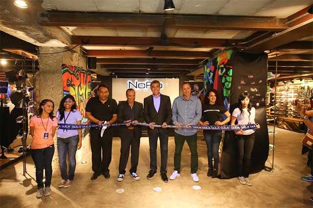 Inaugura Gali tienda deportiva en el centro histórico