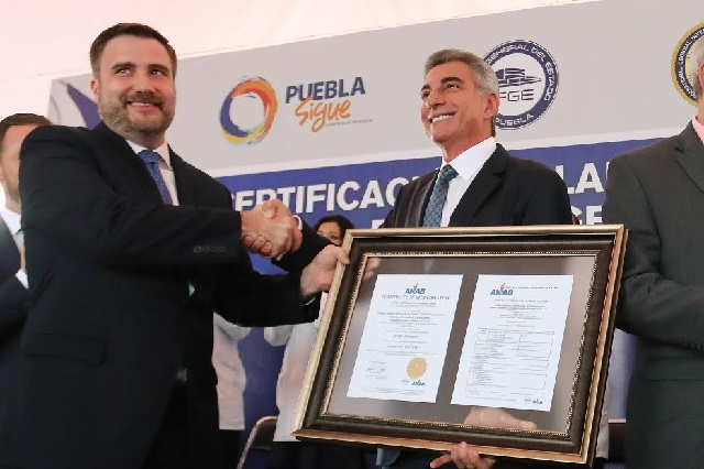 Laboratorios forenses de la Fiscalía de Puebla reciben acreditación internacional