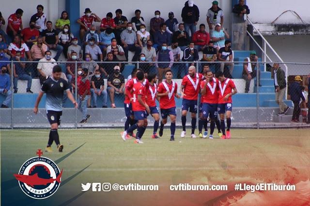 De la mano del 'Gullit', CVF Tiburón le pega 2-1 a Leones Dorados