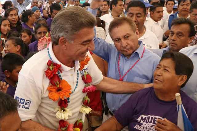 Quiere Gali recomponer relación con alcaldesa de Tehuacán