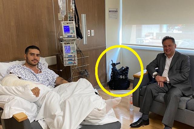 Con chaleco antibalas y armas largas, así permanece García Harfuch en el hospital