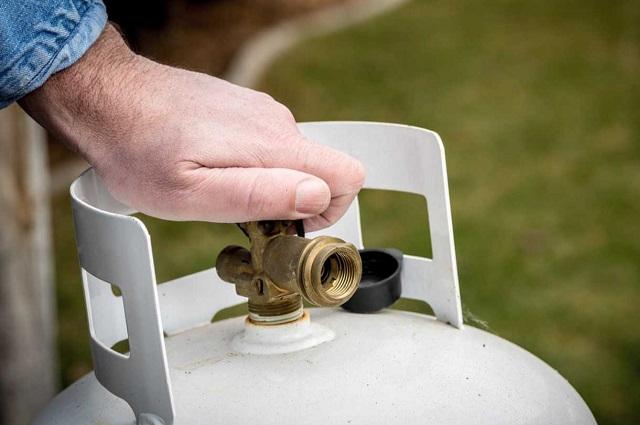 Cofece: empresas de gas LP pactan precios de forma ilegal