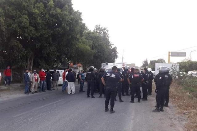 Gaseros de Tehuacán lanzan a hombre al Dren de Valsequillo