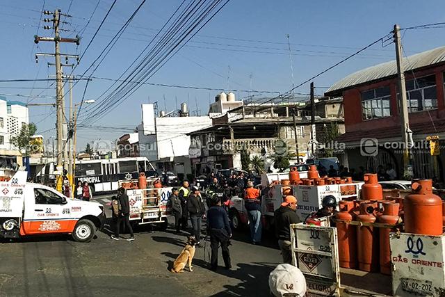 Gaseros libran batalla campal por la clientela, en unidad La Rosa