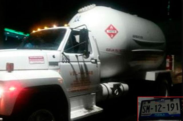 Robaban gas LP de toma clandestina en Chachapa