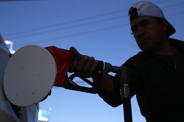 Frente a alzas Profeco da consejos para ahorrar gasolina