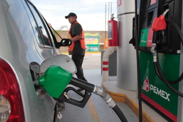 Contra escasez de gasolina acuerda gobierno acción con Pemex: Almeida