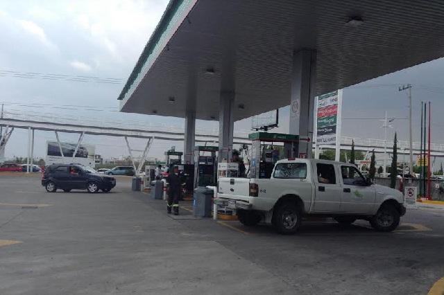 Reportan empresarios desabasto de gasolina en Puebla