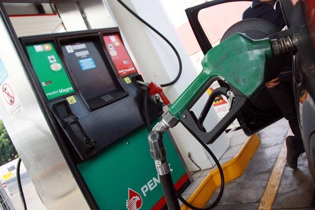 Hacienda anuncia que del 6 al 12 de abril bajará aún más el precio de la gasolina