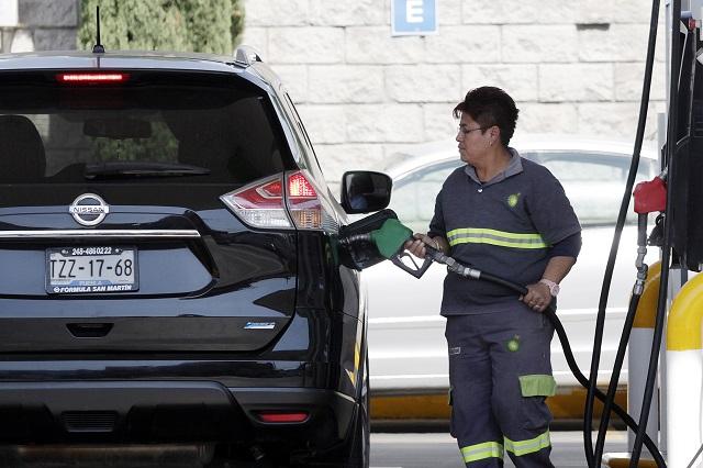 En México se paga 43% más por gasolinas que en EU