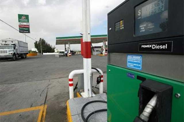 Hacienda anuncia que en octubre el litro de diésel costará 14.63 pesos