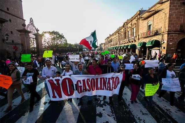 Hacienda confirma que sí habrá otro gasolinazo en febrero