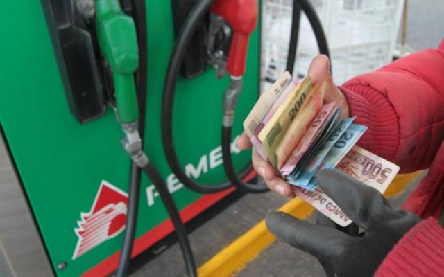 Baja 20% venta de gasolineros en Puebla tras ola de saqueos
